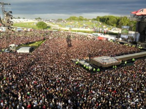 AC/DC play Download Festival..