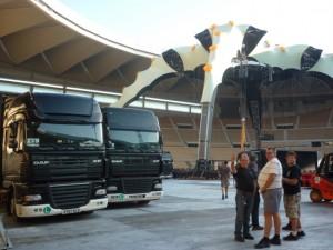 Unloading on U2 360 Tour